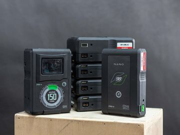 4X Core SWX V-Mount Battery Package