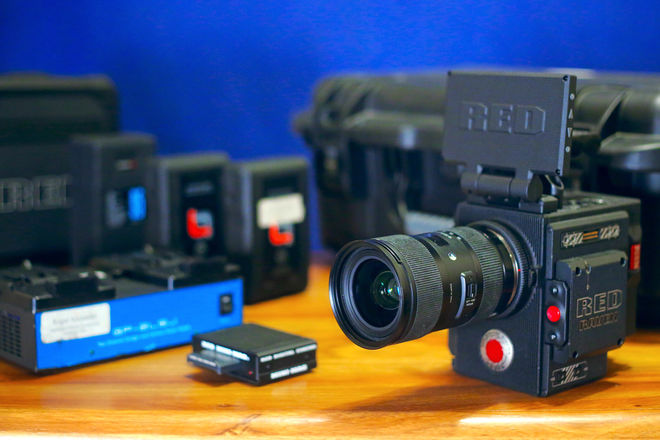 RED Raven Dragon w/ Lens, 2 Batteries, 120gb mag  Package