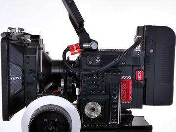 "RED GEMINI 5K + 6 X LEICA M 0.8 PRIMES F1.4 + 7"" LCD + FREE"