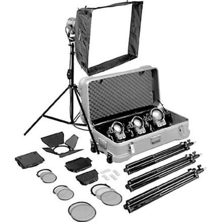 (2 of 2) ARRI 4x Tungsten Kit (2x 650s, 2x 300s)