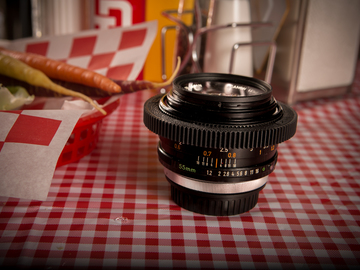 Rent: Canon FD 55mm F1.2 - EF MOUNT