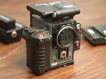 Rent: RED Scarlet X + Canon Mount 50mm F1.8