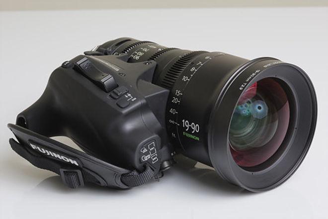 Fujinon 19-90mm T2.9 (V.2) Cabrio PL Zoom Servo Mattebox