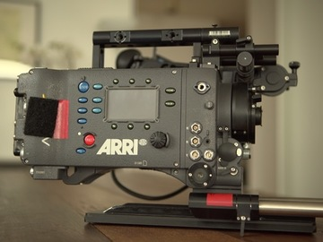 Rent: ARRI ALEXA XT 4:3 camera package + TV Logic monitor