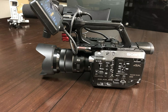 Sony PXW-FS5 with 18-105 kit  Lens  FS5 Super 35 Camera