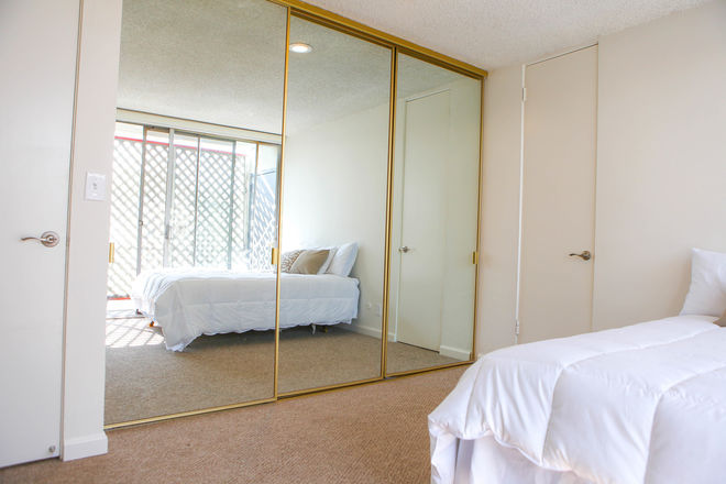 Hollywood Hills/Griffith Observatory 2BD/1.5BA APT