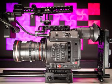 Canon EOS C200 Package - Cinema Camera - w 4-256GB CFast