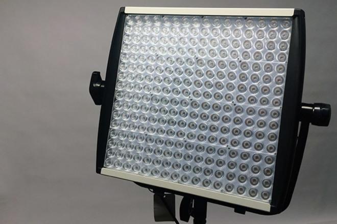 Litepanels 1x1 bi-color LED w/ Softbox, AB bricks & Stand