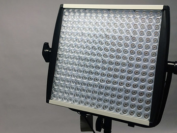 Litepanels 1x1 bi-color LED w/ Softbox, AB bricks & Stand