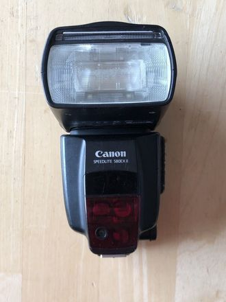 Canon Speedlite 580EX II with Radio Trigger and Bounce