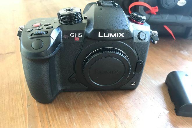 Panasonic Lumix DC-GH5S & Olympus 14-42mm
