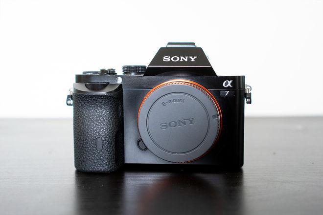 Sony Alpha a7 Mirrorless Camera