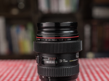 Rent: Canon 24-70 f/2.8 (first gen)