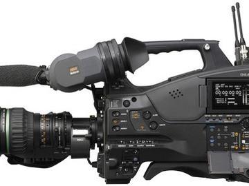 Rent: Sony PMW-500 XDCAM shoulder-mount camcorder pkg. w/ acc.