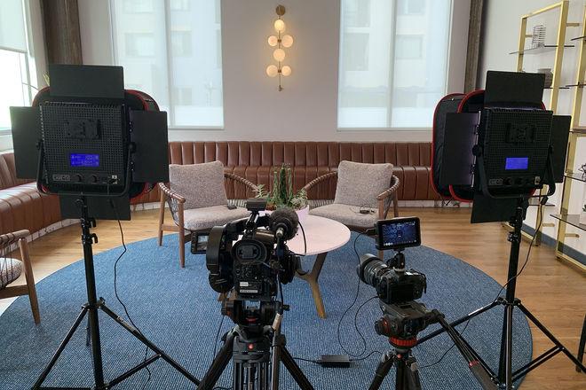 Canon C200 + EOS R + Lights +Wireless Lav Interview Kit