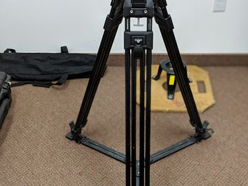Manfrotto 526 Tripod
