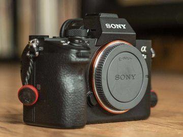 Sony A7iii + MC-11 Adapter