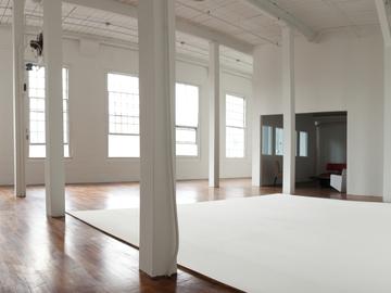 Rent: Daylight Photo/Video Studio