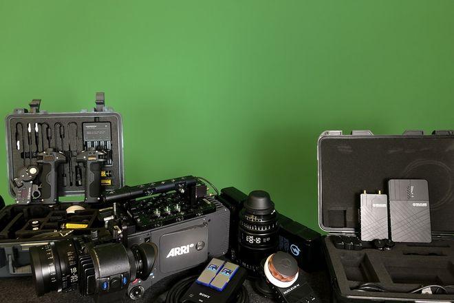 Alexa Classic  Ready to Shoot Kit