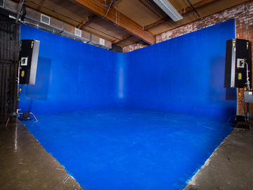 Rent: BLUE SCREEN 2-Wall Cyc Cove, Sound Proof Studio