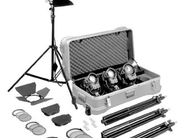 Arri 4 Light Kit - 2x 650w fresnel, 2x 300w fresnel