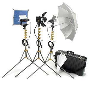 Lowel Light Kit: 2x 650w V-Lights, 3x 250w Pro Fresnels