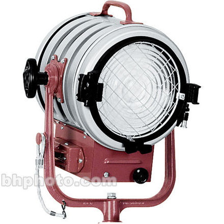 MoleRichardson Jr. Fresnel - 2000w (2 of 2)
