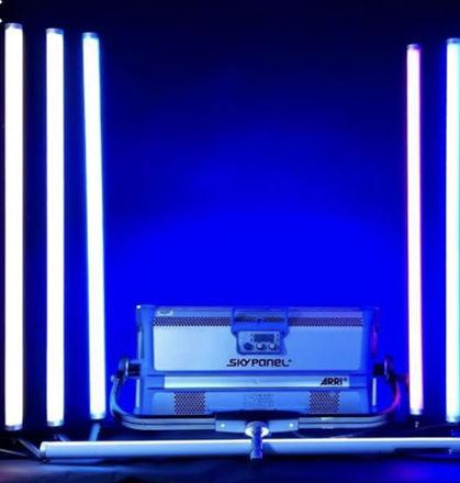 Astera Titans, M18, 2 LED Leko, s30 skypanel package