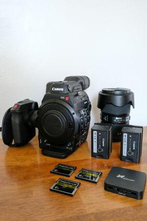 Canon EOS C300 Mark II Kit