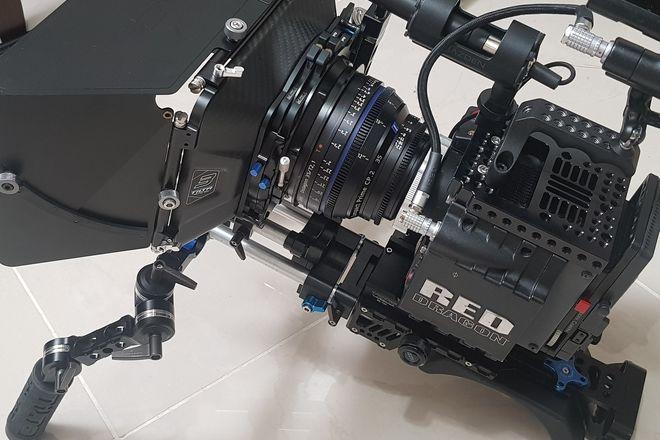RED Scarlet-X Dragon 6K, 2x lenses, 2x 240gb, 2x batteries.