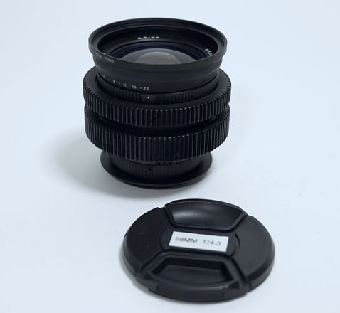 "Anamorphic Mimic 28mm f/3.5 in EF - Close Focus - 8""/0.2m"