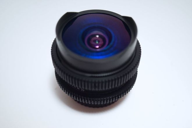 Anamorphic Mimic 16mm f/2.8 in EF - Close Focus - 1'/0.3m