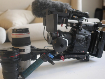 Rent: C300 mk1 documentary kit