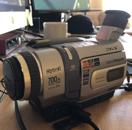 Hi-8 Sony Handycam TRV340