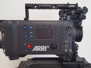 Rent: ARRI, COOKE 18-100, MNTRS, TRPD, FLUD HD, MT BOX, FOLLOW FOC