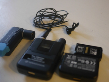 Wireless Sennheiser AVX w Extra Batteries