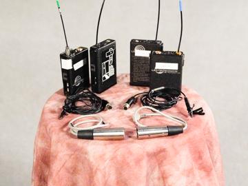 Rent: 2x Lectrosonic UM400a Lavalier Microphones