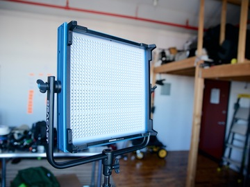Rent: Dracast LED1000 Pro Bi-Color LED Light w/ V-Mount plate