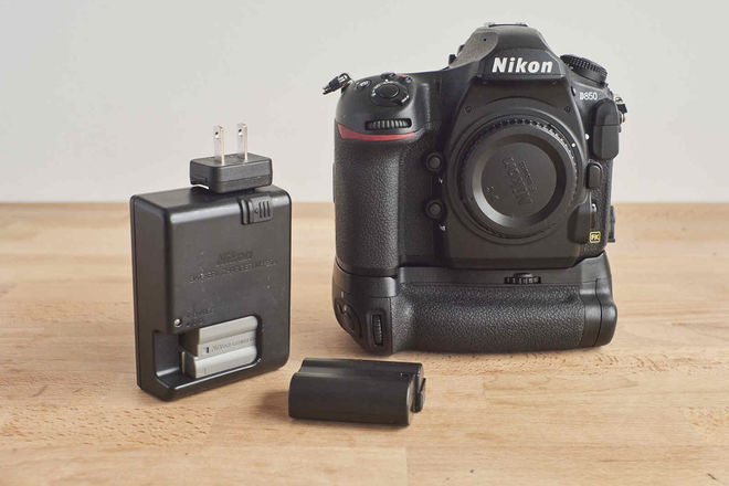 NIKON D850 with Accessories