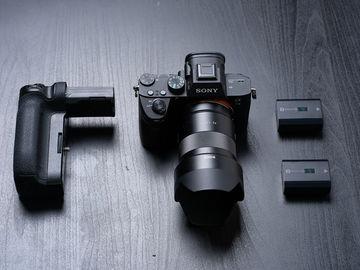 Sony a7 III + Zeiss 55mm F/1.8 x2 batteries