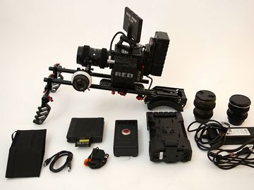 RED Epic 5K, Zoom Lens, Handheld, Shoulder, Follow Focus Rig