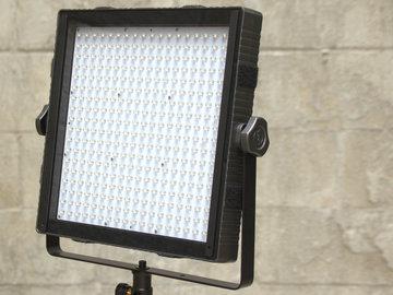 Rent: Daylight 1'x1' LED w/ batteries, stand & shot bag