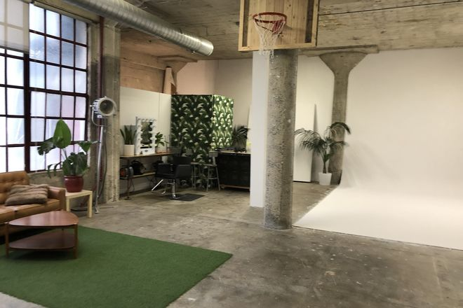 Rent A Photo Video Studio 1500 Sq Ft Dtla Best Prices Sharegrid Los Angeles Ca