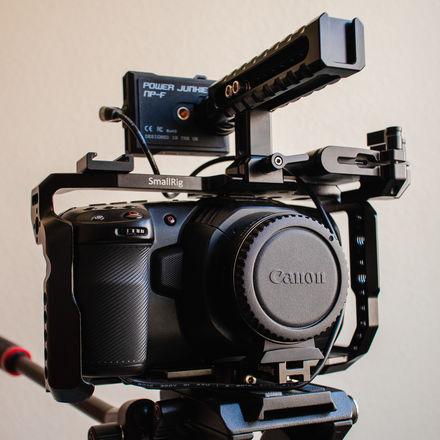 Rent A Blackmagic Design Pocket Cinema Camera 4k Ef Mount Power Kit Best Prices Sharegrid Los Angeles Ca