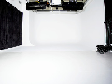 Rent: Sound Studio with White Cyc - SUMMER SALE!!! (Flatiron)