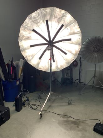 Hudson Spider Beauty light with 6' Umbrella
