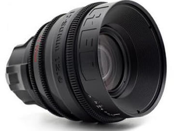 Rent: RED T2.9 17-50mm Zoom Lens
