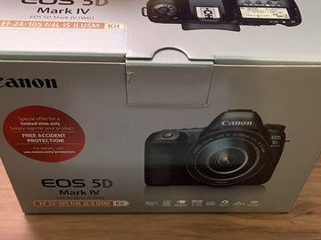 Canon EOS 5D Mark IV w/ EF 24-105mm f/4L IS II USM Lens Kit