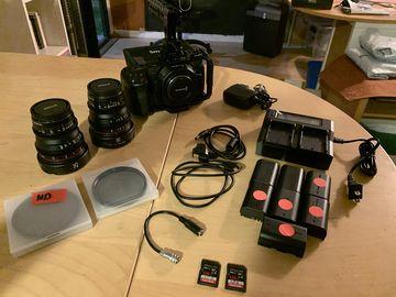 Blackmagic Design Pocket Cinema Camera 4K + Prime Lens