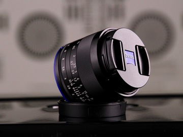 Rent: Zeiss Loxia 35mm f/2 Biogon T Lens for Sony E Mount Zeiss